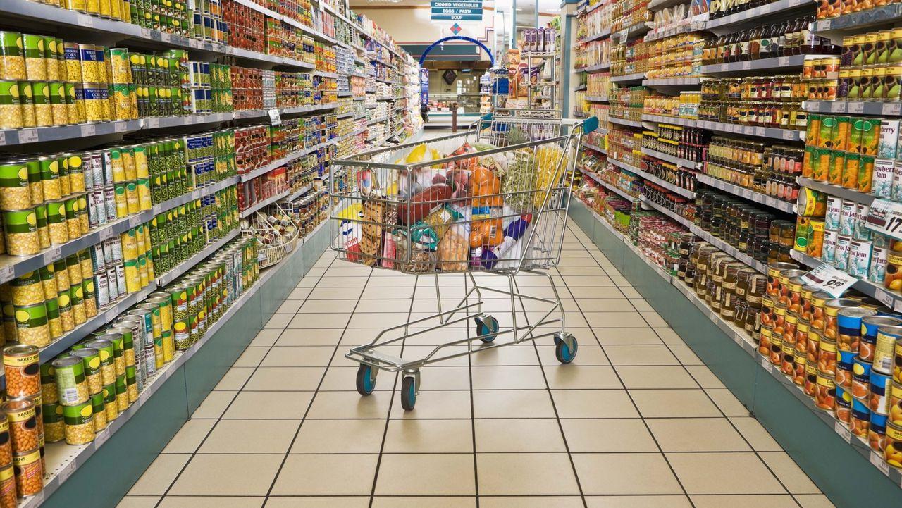 Росстат подсчитал стоимость продуктов на салат оливье