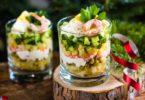 Вариант сервировки салата оливье в стакане или бокале