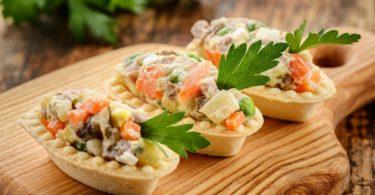 Салат оливье в тарталетках