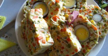 Заливное Оливье-рулет с желатином