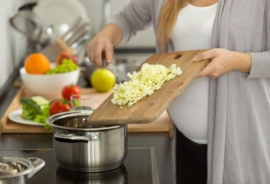 Оливье при беременности - есть можно или нет?