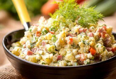 Диетолог назвала рецепт полезного салата Оливье
